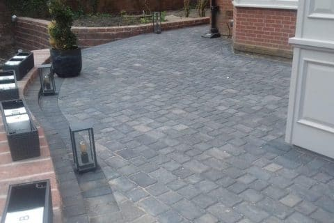 Patio-cobbles-grey